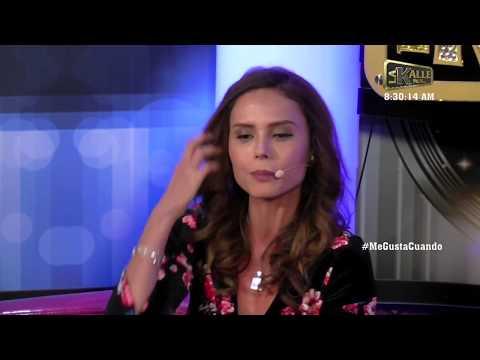 Carolina Sepúlveda bailó en plena entrevista de La Kalle