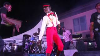 Kwadwo Nkansah Lil Win dances on Stage