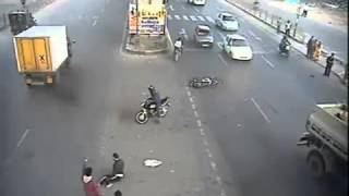 Live Bike Accident India Lucky Man