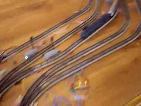 Märklin H0 on the floor train track - Walk around the track  EN