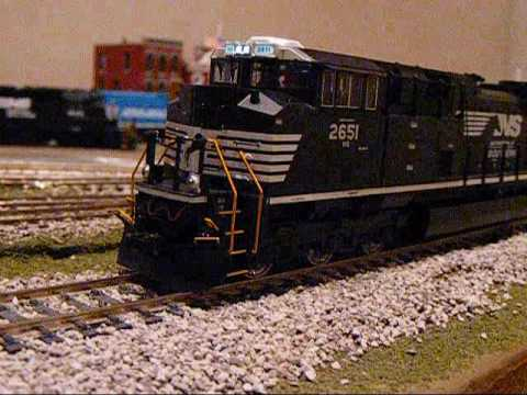 MUST SEE! MY NEW MTH SD70M-2 Norfolk Southern NS 2651 HO Scale FINALLY HERE!!!