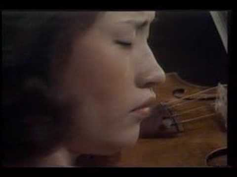 Kyung Wha Chung plays Bach BWV 1017 1st mov. Siciliano