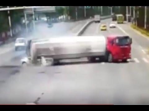 Жесткие аварии и ДТП 2017 № 4