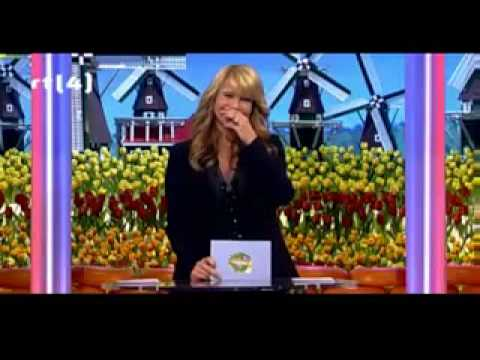 Linda de Mol heeft de slappe lach