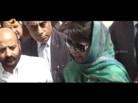 CM Mehbooba Mufti Accuses Omar Abdullah for Creating Chaos | Sainik Colony Row | Mango News