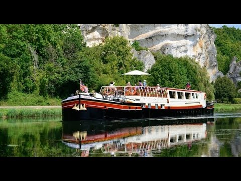 Hotel barge cruise on the Nivernais Canal in France