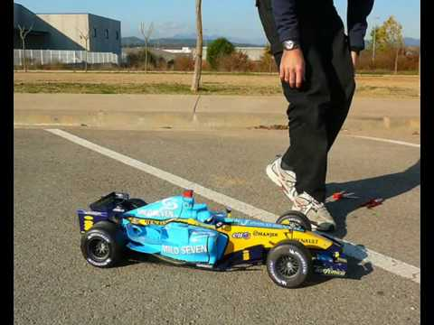 Renault R26 F1 RC The making of
