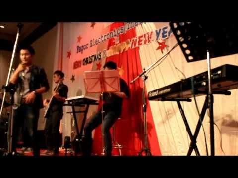 84 วงสตริง Novertel Bangna By Melody Band