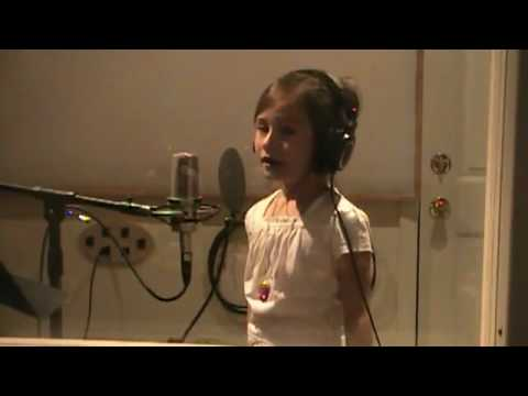 Amazing Grace - Rhema Marvanne - 7yo.flv video