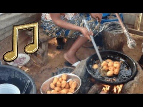 Taló n pe ìyá  alákàrà s̩eré? - Yoruba Folk Song