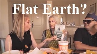 Flat Earth mukbang with Grav3yardgirl, Jeffree Star & Rich Lux ✅
