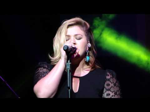Kelly Clarkson Shake It Off (Taylor Swift Cover)
