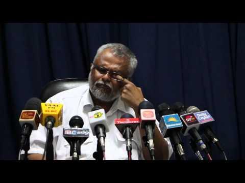 Media conference with K.N.Dules Devananda (E.P.D.P) in Jaffna - press-04