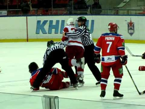 KHL: Ex-AHL Goon Yablonski Delivers Elbows To The Head Of Opponent On The Ice (video)