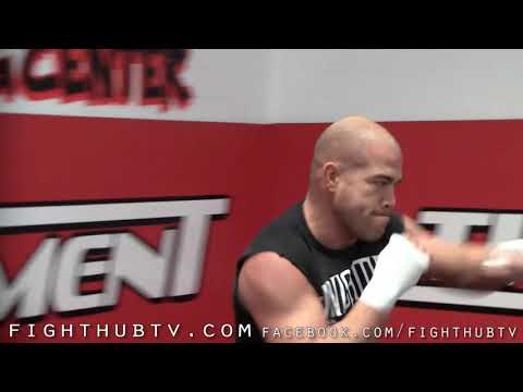 Tito Ortiz vs. Antonio Rogerio Nogueira: Ortiz Open Work Out for UFC 140 Image 1