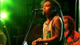 Download Lagu ENGKANTO - Tubig Alat (Bob Marley Day Manila 2014) Gratis STAFABAND