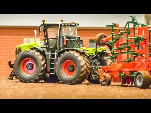 RC Tractors work hard! Fantastic 1/32 scale! Stock and modified!