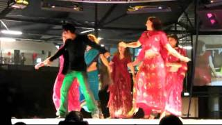 ShahRukh Khan - Chaiyya Chaiyya - Incredible India Festival 2011 - The Netherlands  - YouTube.rv