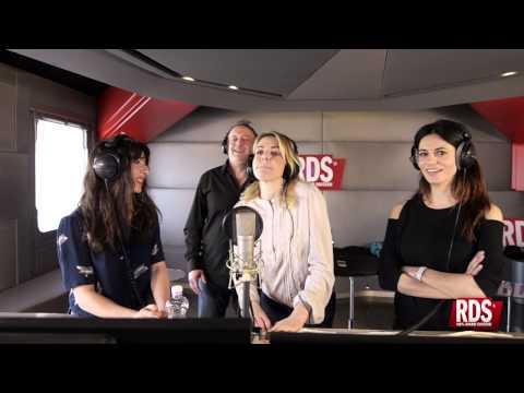 Cristiano Malgioglio fa cantare Rossella Brescia, Claudia Gerini e Sabrina Impacciatore!