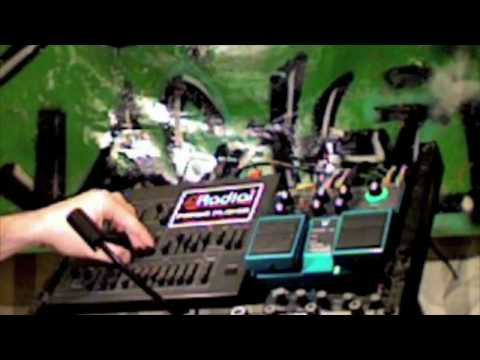 """Tutorial - making a """"hoover"""" on the mks 50, slicing it with the SL20 and jamming with it@132 BPM"""