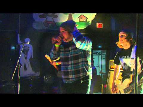 """Singled Out """"Connor's From Philly, and He Carries a Piece"""" Live"""