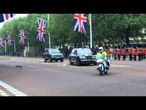 Kraliçe Elizabeth II ve eşi Duke of Edinburgh Kraliyet düğün