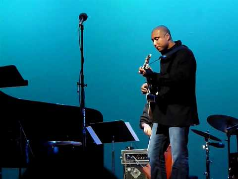Bernie Williams and Darryl Johns play