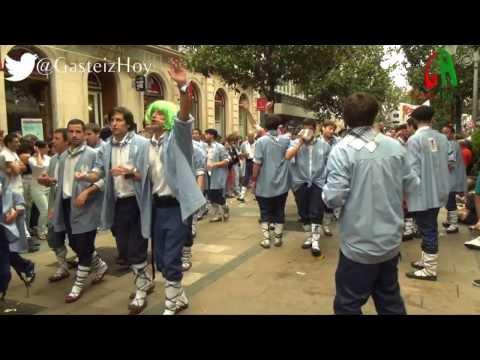 Paseíllo de los Blusas  5 de agosto 2013. Fiestas de La Blanca en Vitoria-Gasteiz