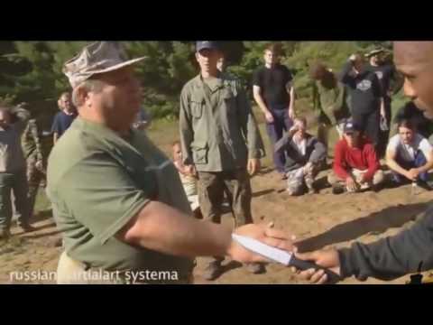 Русский спецназ показывает мастерство рукопашного боя