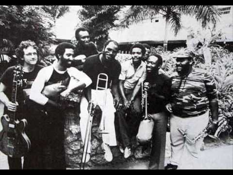 Dennis Brown Live, Introducing Lloyd Parks, We The People Band, 1979