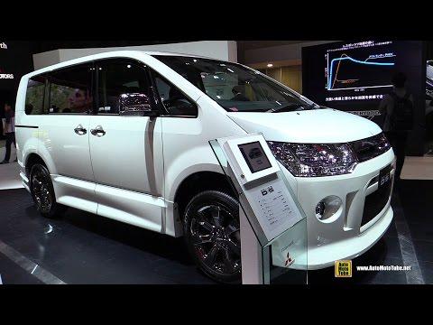 2016 Mitsubishi Delica D5 Roadest Van - Exterior And Interior Walkaround - 2015 Tokyo Motor Show