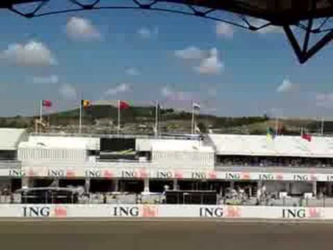 Formula 1 Hungaroring 2008 start + first lap from SuperGold Tribune