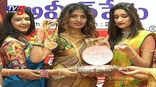 Chandana Brothers Ashadam Gold Sale Attracts Women Customers