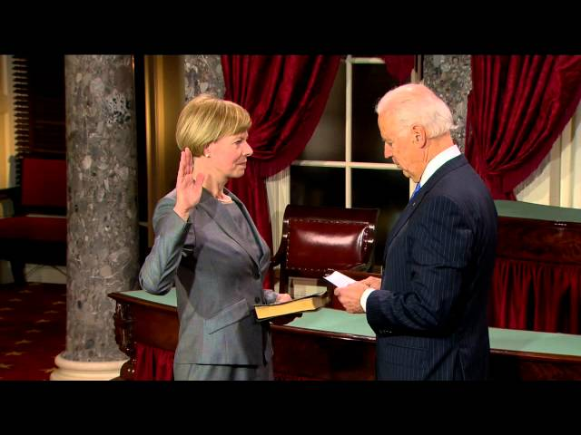 Swearing in of Senator Tammy Baldwin (D-Wisc.)