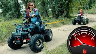 On kids Quad Bike ended gasoline! Mom ride on power wheels to helps and tows Den.