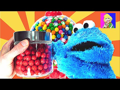Cookie Monster Helps Kids Learn Colors with a Rainbow of Gumballs and a Giant Gumball Machine!
