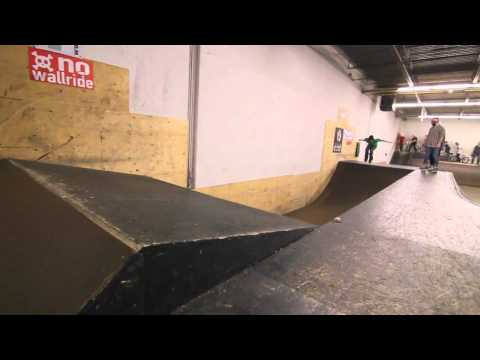 Very Aggressive rollerblading at Inflow skatepark