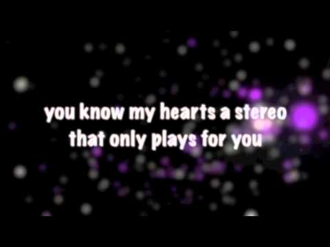 Stereo Hearts Lyrics video