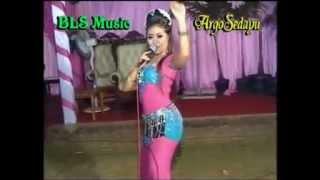 download lagu Dangdut Koplo Ngamen 2 - Ikif Kawashima Bls Music gratis