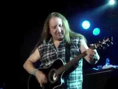 Uriah Heep - Mick Box on guitar