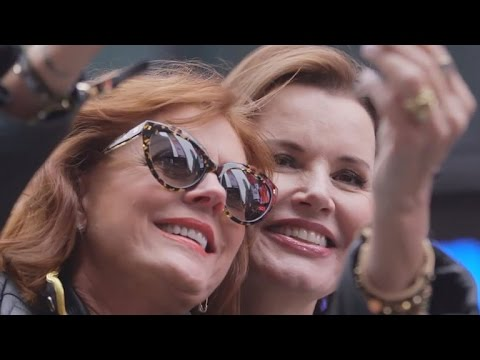 Susan Sarandon And Geena Ds Recreate Iconic Thelma And Louise