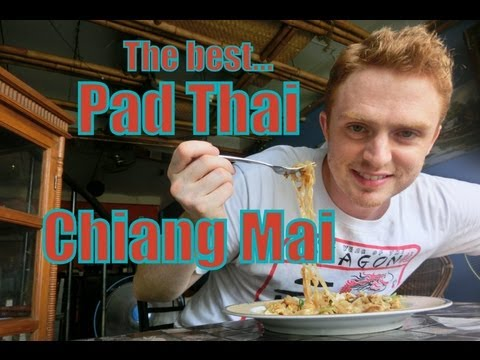 0 Eating the best Pad Thai ever (ผัดไทย) at Chang Chalaad Restaurant in Chiang Mai, Thailand