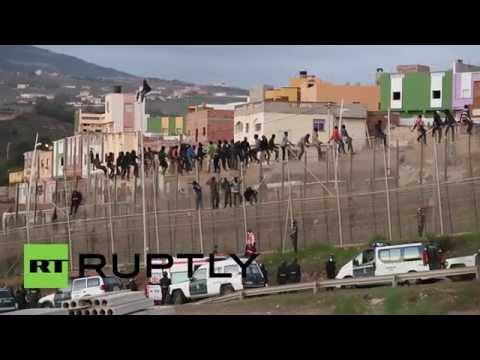 Spain: Hundreds of migrants attempt Melilla border crossing