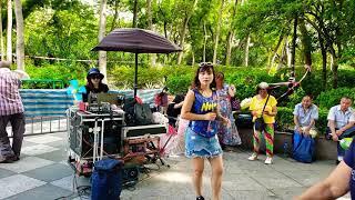 下定决心忘记你 刘冰冰 屯门公园表演  旺角菜街艺人singing 2018年8月15日