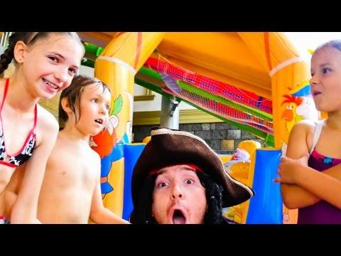 Адриан, Света и Сима в аквапарке КАРИБИЯ! Посвящение в пираты.