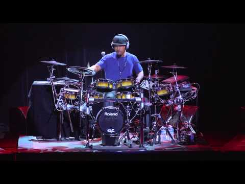 Montreal Drum Fest 2012 - Tony Royster Jr. - FULL PERFORMANCE klip izle