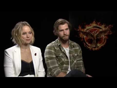 Jennifer Lawrence & Liam Hemsworth - The Hunger Games: Mockingjay Part 1