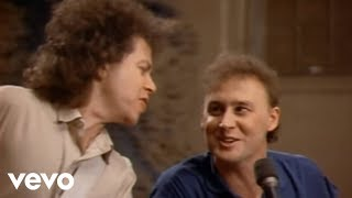 Watch Bruce Hornsby The Valley Road video