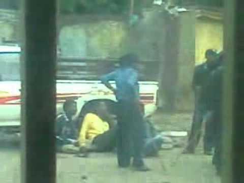 bilal tube - Ethiopian police beating Muslim protesters 07 21 2012