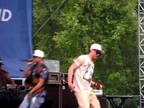New Boyz You're A Jerk Live Six Flags New England 5/22/11